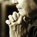 old-woman-at-prayer