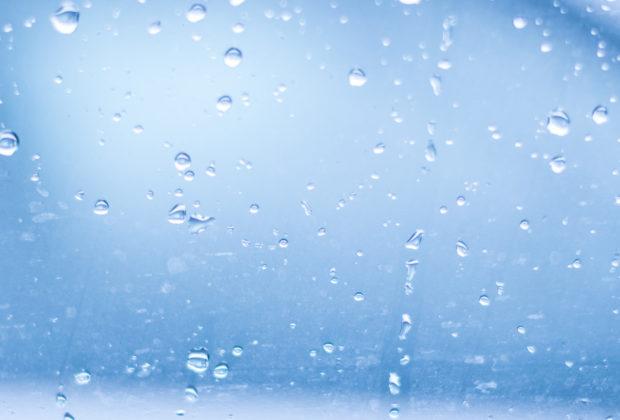 vidro com gotas de água