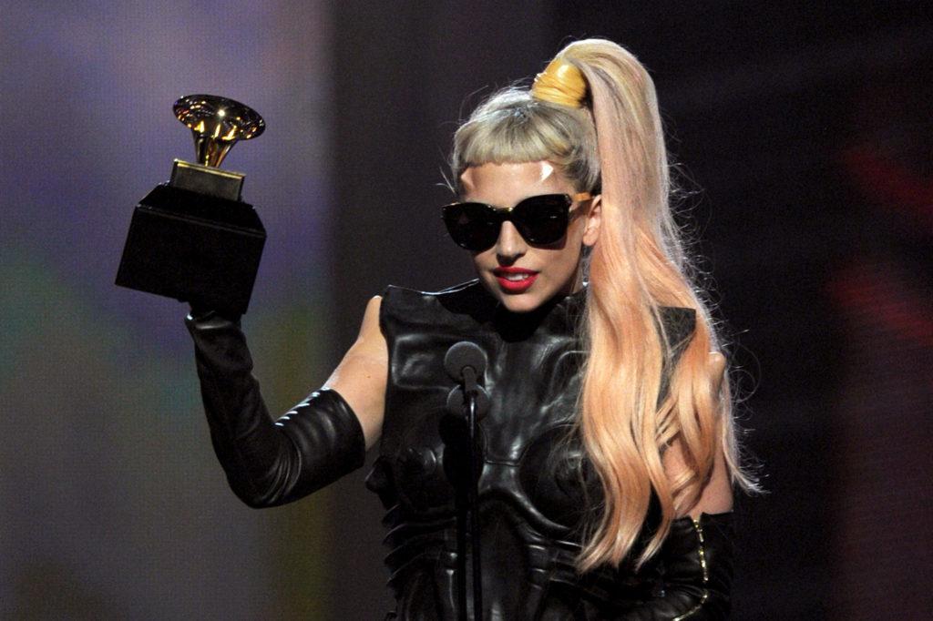 Lady Gaga - Grammy 2011